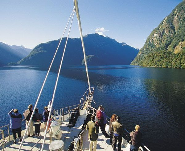 Doubtful-Sound-Overnight-Cruises-Fiordland-Navigator-6_Doubtful.jpg