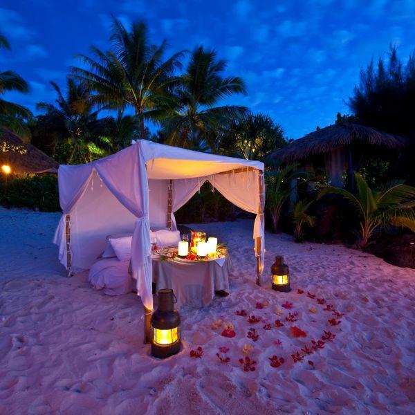 Romantic dining-PacificResortAitutaki-CRED@pacificresort.jpg
